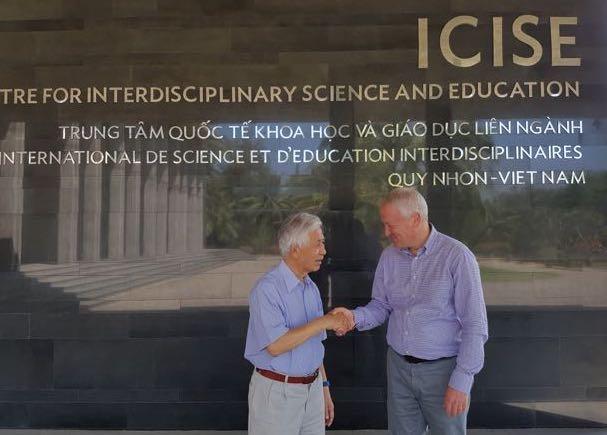 Accordo tra Enrico Belli, Bizmaker®, e il prof. Jean Tran Than Van di ICISE, International Centre for Interdisciplinary Science and Education